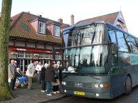 groengrijs bus