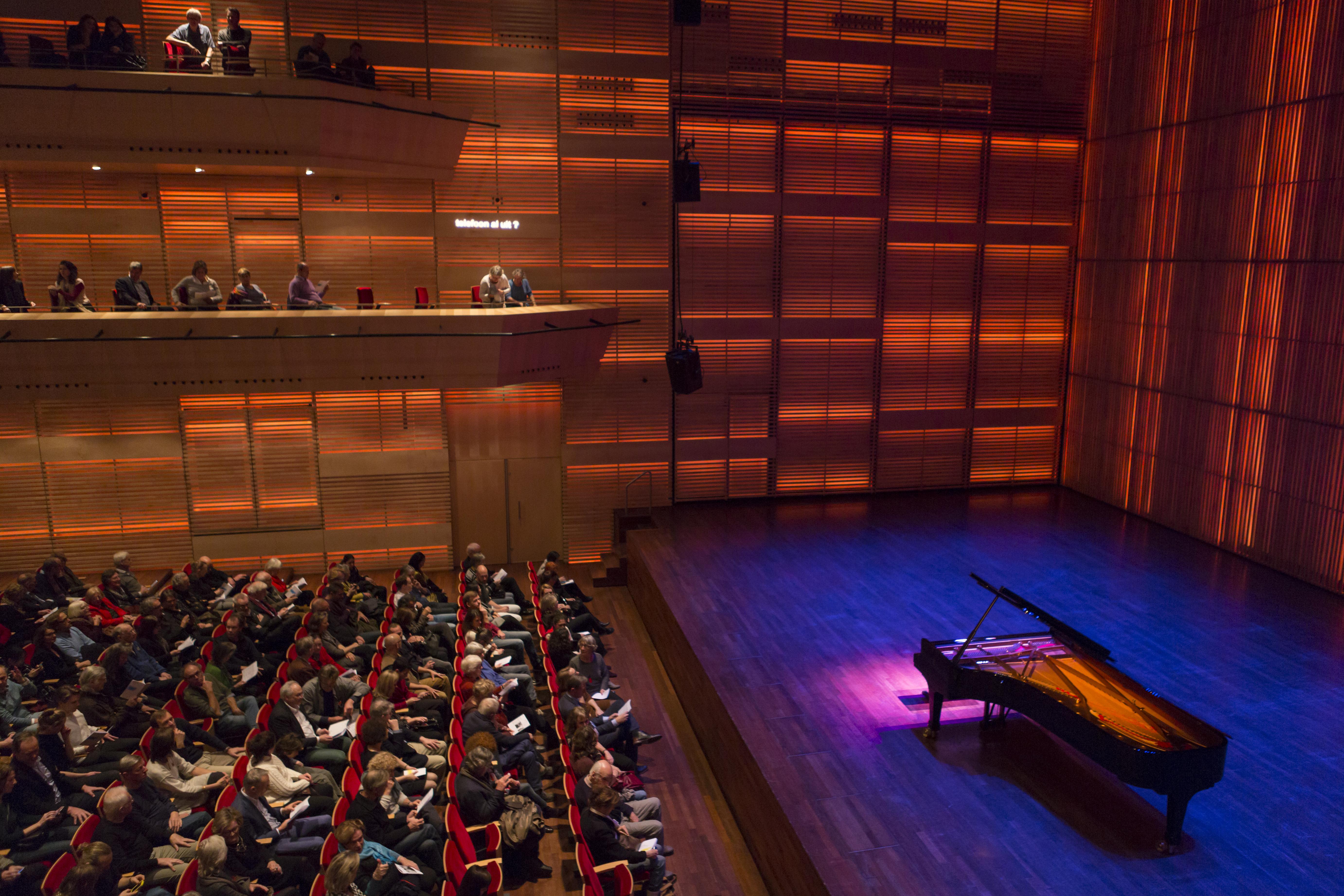 Muziekgebouw aan 't IJ - Grote Zaal met publiek (foto Martina_Simkovicova)