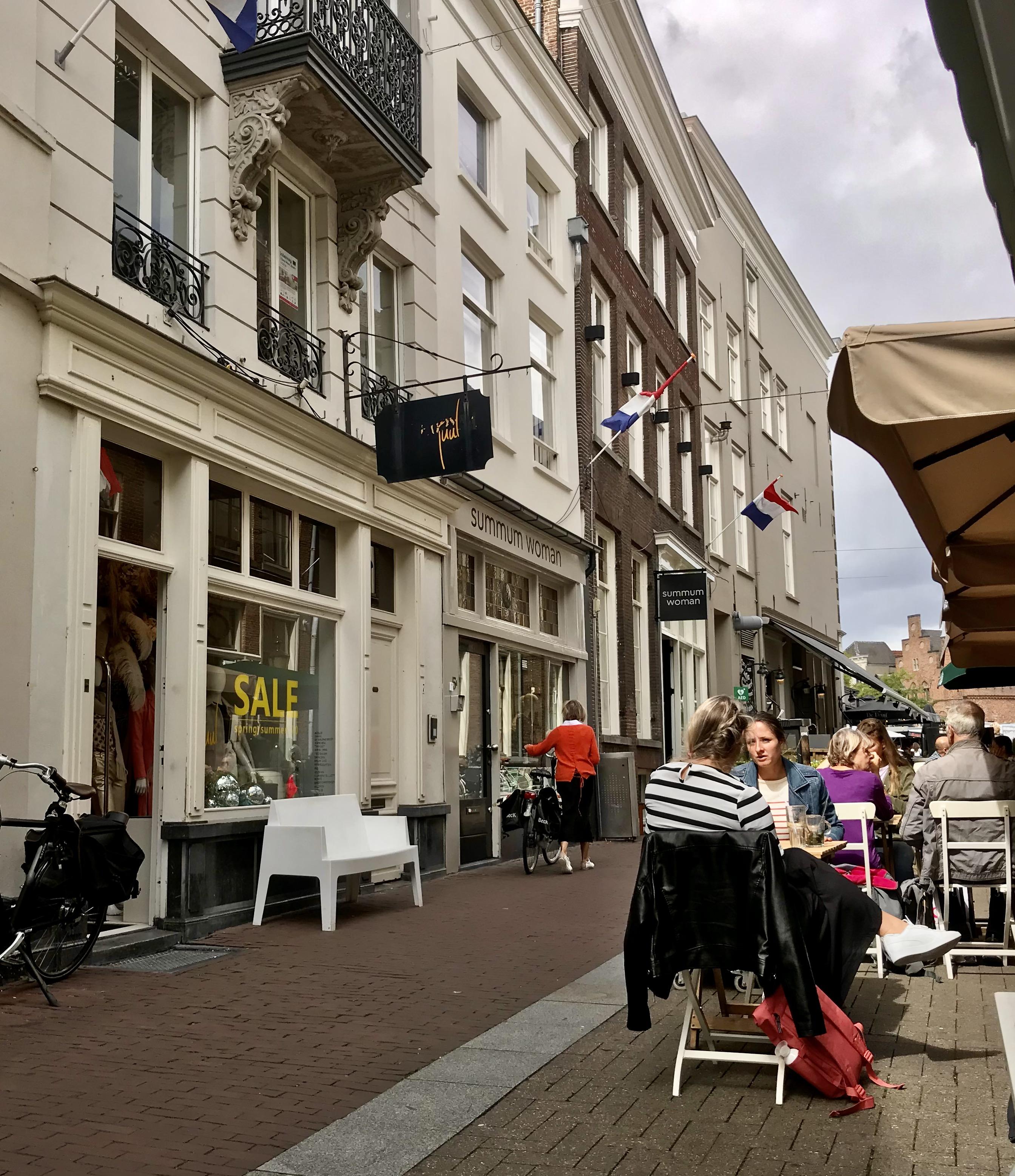 Den Bosch terras Foto Groengrijs:Thea Seinen IMG_4983